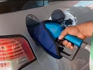 AutoEsporte mostra hábitos que fazem o carro gastar mais gasolina