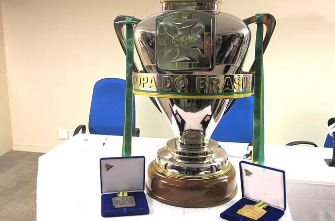 Taça copa do Brasil 2013 (Foto: Rafael Cavalieri)