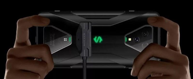 Black Shark 3 tem encaixe magnético na traseira para carregador — Foto: Divulgação/Xiaomi