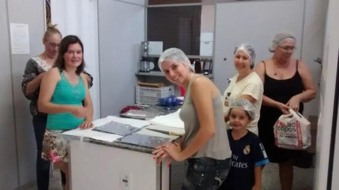 Voluntários do Grupo Sementes Solidárias de Araraquara (Foto: Felipe Novo Pereira Caíres/ Divulgação)