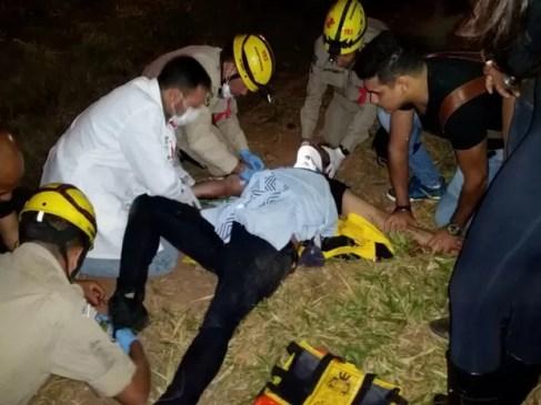 Cristiano Araújo recebeu atendimento no local do acidente Goiás Goiânia (Foto: Renato Melo/Arquivo Pessoal)