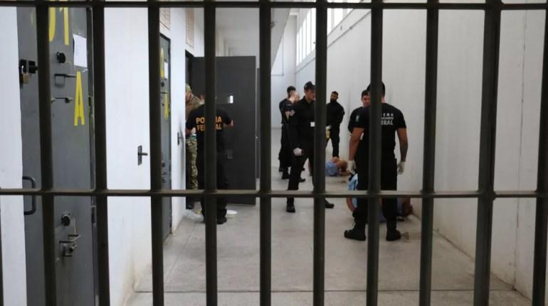 Foram cumpridos mandados de busca e apreensão dentro da Penitenciária Federal de Rondônia (Foto: Depen/Divulgação)