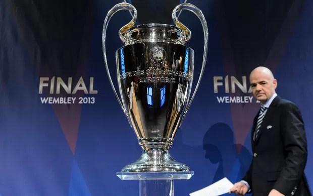 Gianni Infantino sorteio Champions (Foto: AP)