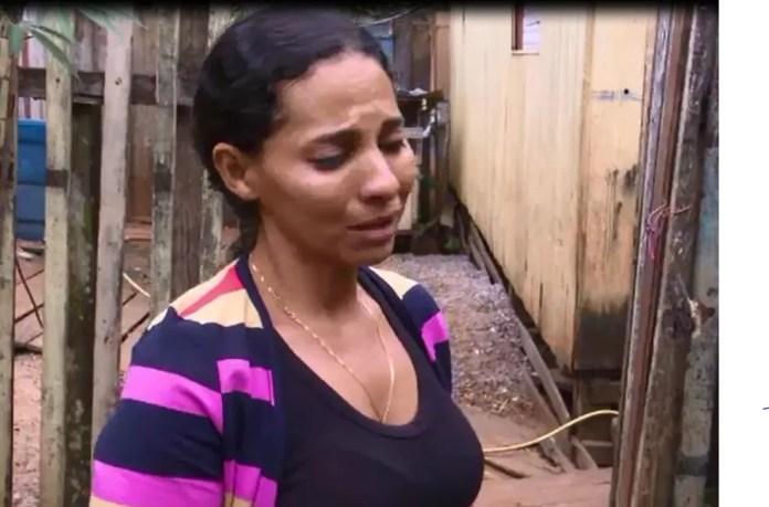 Marlene de Paula chorou ao falar da filha morta nesta segunda (14) (Foto: Reprodução)