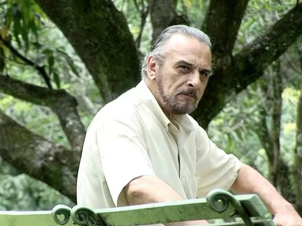 Luiz Baccelli em cena do filme 'E a vida continua...' (2012) (Foto: Divulgação)
