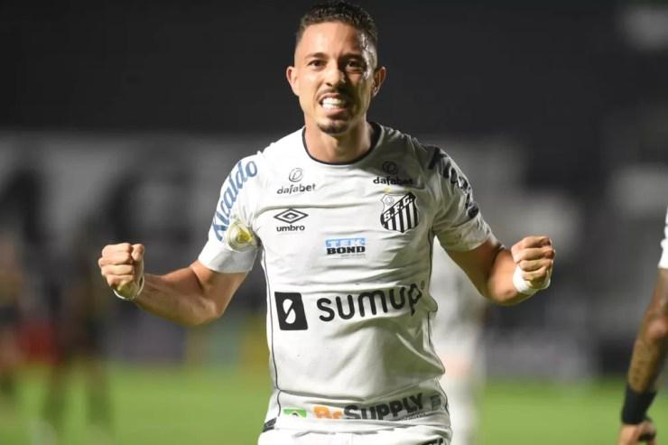 Jean Mota comemora gol em Santos x Ceará — Foto: Ivan Storti/Santos FC