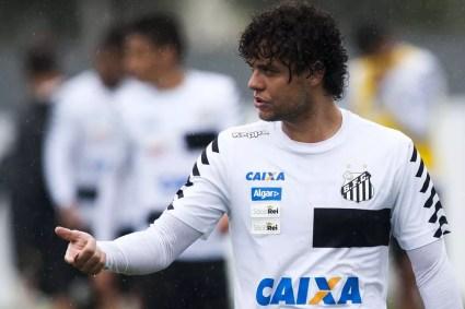 Victor Ferraz, do Santos, está na mira do São Paulo (Foto: Ivan Storti/Divulgação SFC)