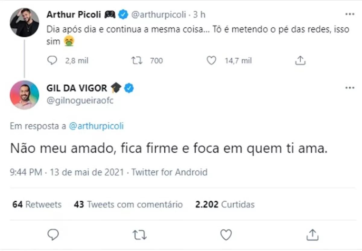 Ex-BBB Arthur Picoli lamenta mensagens de haters e Gil responde (Foto: Reprodução/Twitter)