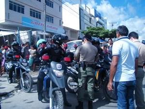 Segundo a PM, houveram arrastões e correria (Foto: Jaqueline Almeida/G1 Caruaru)
