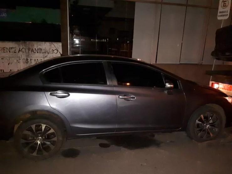 Um carro com placas falsas foi apreendido com parte da droga em São Manuel  (Foto: Polícia Civil/ Divulgação )