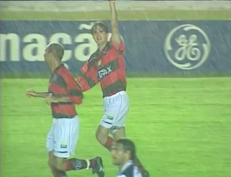 Leandro Machado foi campeão de três cariocas e da Copa Mercosul pelo Flamengo em 1999 — Foto: Reprodução/Arquivo ge