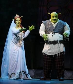 """Sara Sarres como Fiona no musical """"Shrek"""" (Foto: Felipe Panfili/AgNews)"""