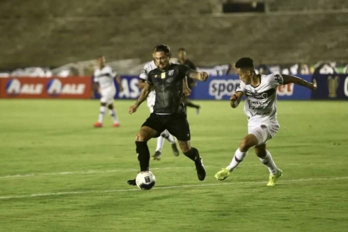 Botafogo-PB e Treze fazem campanhas ruins na Copa do Nordeste, sendo os penúltimos dos seus respectivos grupos — Foto: Israel Simonton / Ceará SC