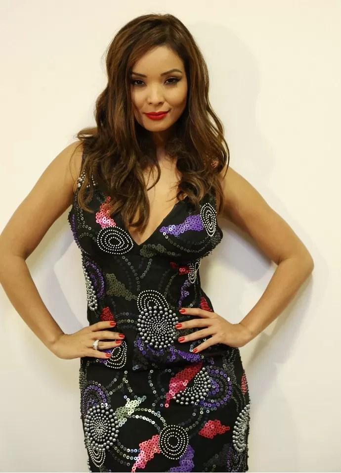 Nakamura apostou em um vestido justinho para mostrar as curvas (Foto: Carol Caminha/Gshow)