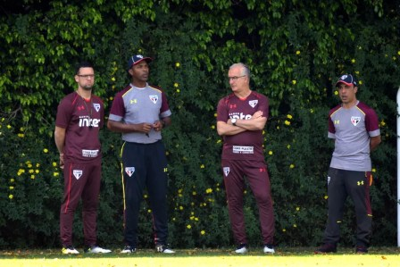 Lucas Silvestre e Dorival Júnior: comissão técnica terá sete dias de treinos (Foto: Renata Lutfi / site oficial do SPFC)