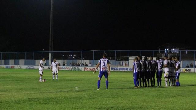 Aliviado, Marcos Aurélio destaca bola parada do Belo em goleada no Sílvio Porto
