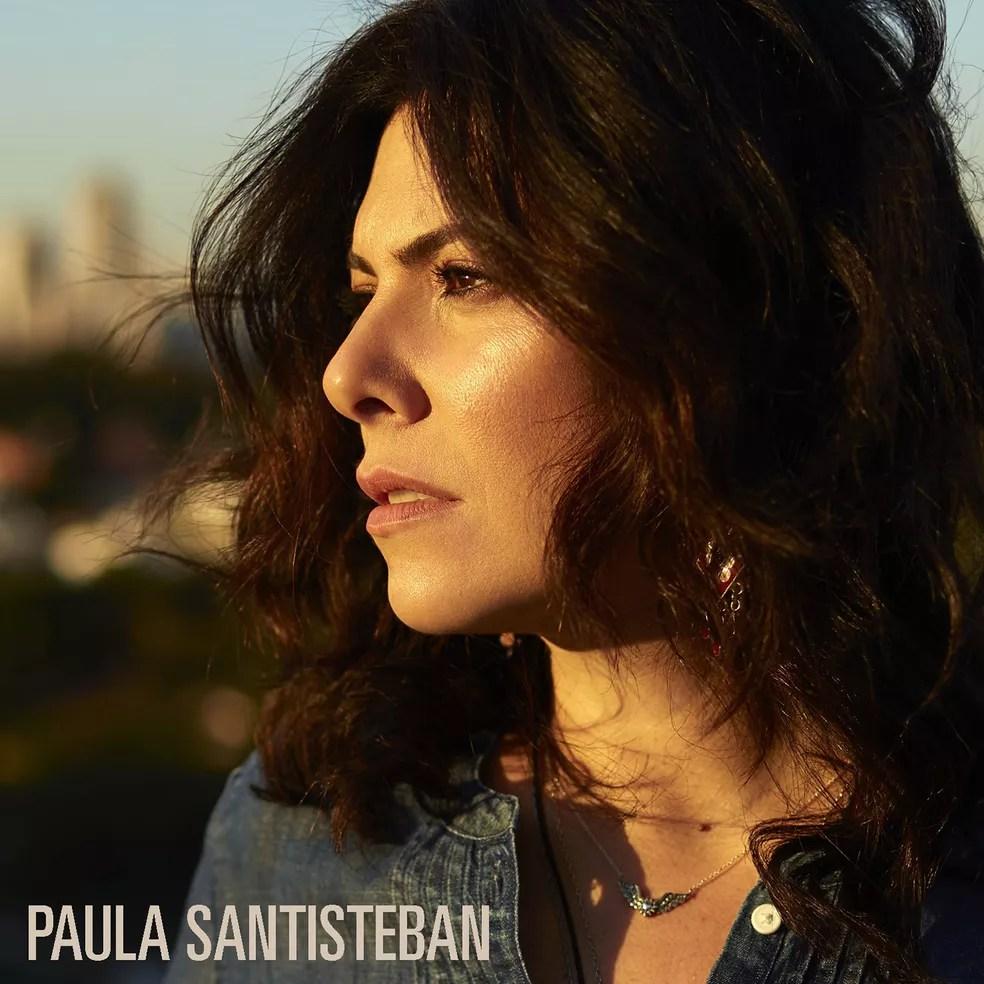 Capa do álbum 'Paula Santisteban', lançado em CD seis meses após a edição digital — Foto: Bob Wolfenson