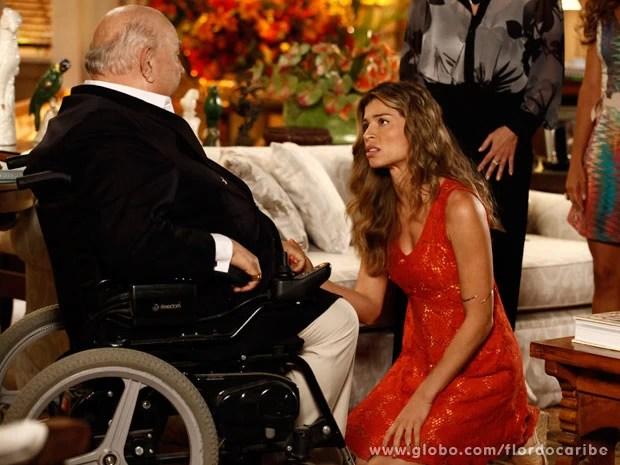 Ester pede desculpas por ter acusado Dionísio (Foto: Flor do Caribe / TV Globo)