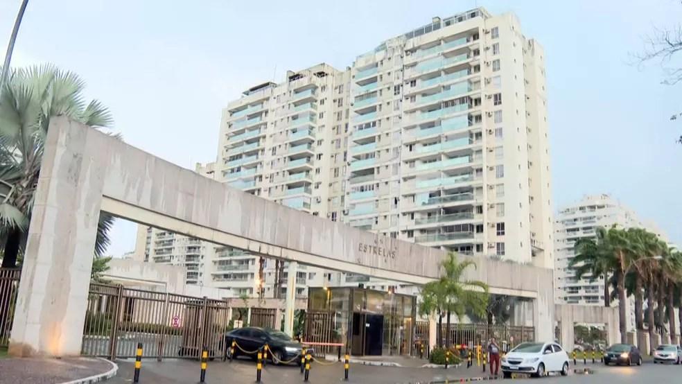 MPRJ cumpre mandado em condomínio de Jacarepaguá — Foto: Reprodução/TV Globo