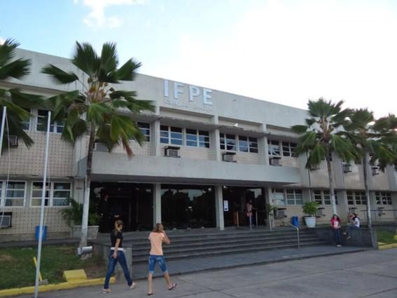 Parte dos docentes selecionados vai atuar no campus Recife do IFPE (Foto: Luna Markman/G1)