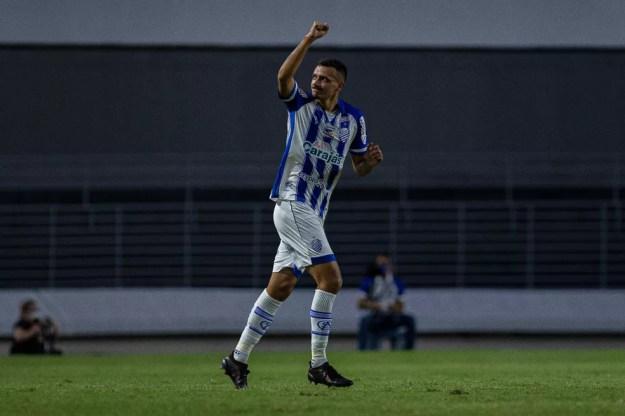 Bruno Mota comemora em CRB x CSA, final do Alagoano — Foto: Alisson Frazao/AGIF