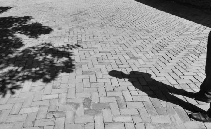 Vários fatoros podem acabar desencadeando pensamentos suicidas, diz psicóloga  (Foto: Tácita Muniz/G1)