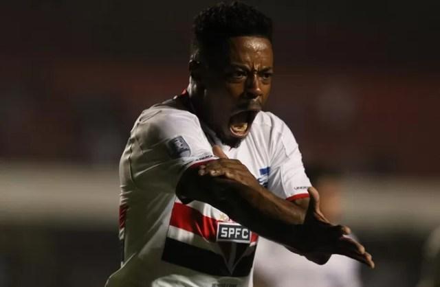 São Paulo x Toluca Michel Bastos gol 6 (Foto: Rubens Chiri/saopaulofc.net)