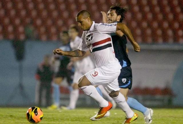 Luis Fabiano jogo São Paulo e Londrina (Foto: Agência Estado)