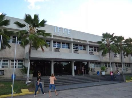 IFPE campus Recife conta cursos tecnológicos e ensino à distância (Foto: Luna Markman/ G1)