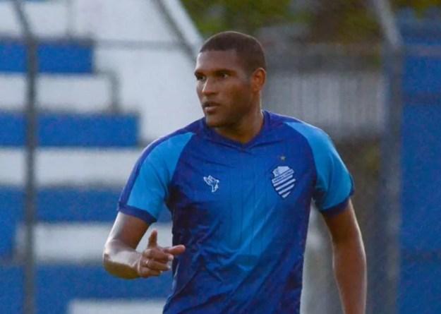 Matheus Felipe faz parte da lista de pendurado do CSA para enfrentar o Vasco — Foto: Augusto Oliveira/ASCOM CSA