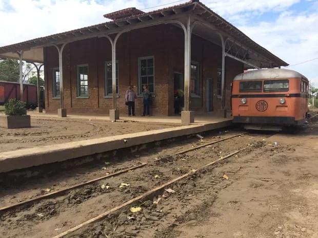 Complexo Madeira-Mamoré estará limpo até segunda-feira, diz prefeitura (Foto: Ana Fabre/G1)