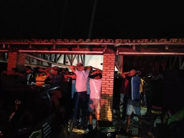 Festa organizada por influencer com aglomeração de 300 pessoas sem máscaras é fechada pela PM em Várzea Grande — Foto: Polícia Militar de Mato Grosso