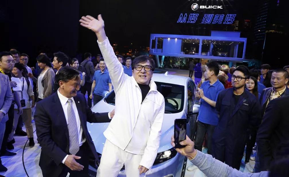 Ator Jackie Chan foi a estrela na apresentação da Buick (Foto: AP Photo/Ng Han Guan)