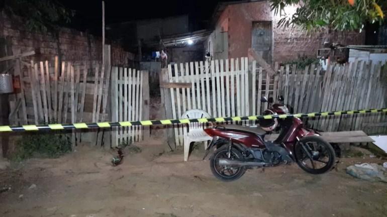 Ex-presidiário é morto com vários tiros na zona sul de Porto Velho — Foto: Wanderson Caldeira/ pvhnoticias.com.br