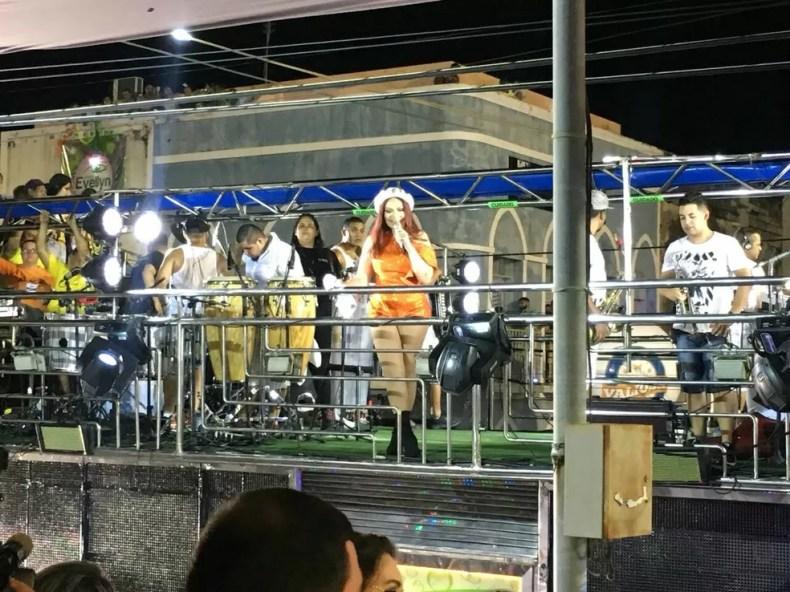 Solange Almeida é uma das atrações em Aracati, cidade onde ela se apresentou pela primeira vez durante o carnaval (Foto: André Teixeira/ G1 CE)