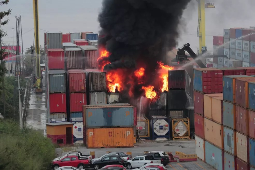 Incêndio foi registrado na tarde desta terça-feira (18). — Foto: Diego Peres/Secom