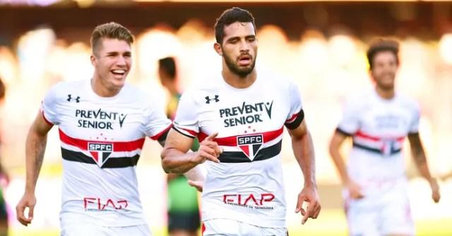 Alan Kardec comemora gol São Paulo X América-MG (Foto: Marcos Ribolli)
