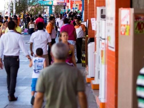 Comércio de rua em Natal, RN (Foto: Jonathan Lins/G1)