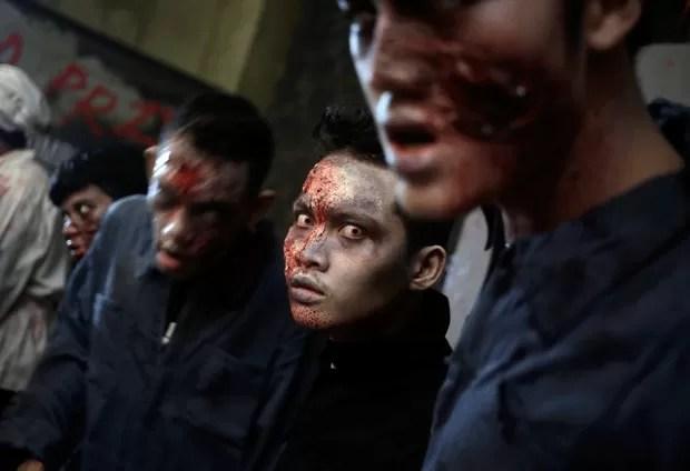 Zumbis 'invadem' shopping na Indonésia (Foto: Dita Alangkara/AP)