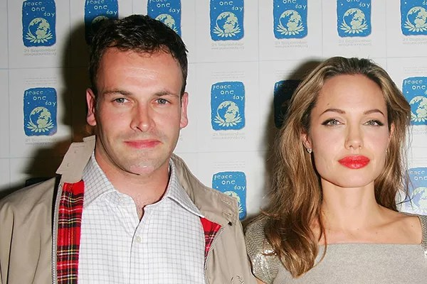 Jonny Lee Miller and Angelina Jolie (Photo: Getty Images)