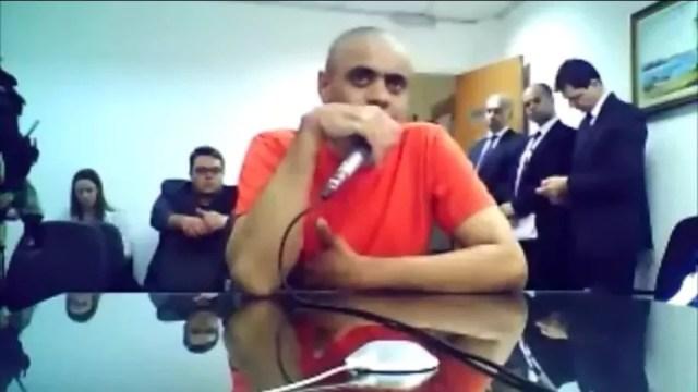 Adélio Bispo em audiência de custódia — Foto: Reprodução/TV Globo