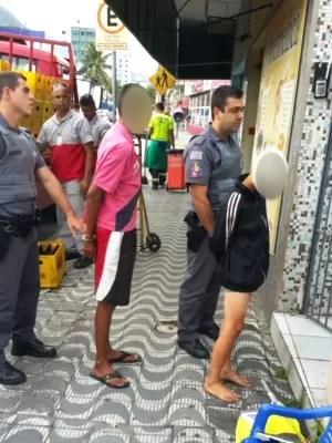 Dupla foi apreendida por policiais militares (Foto: Polícia Militar / Arquivo Pessoal)