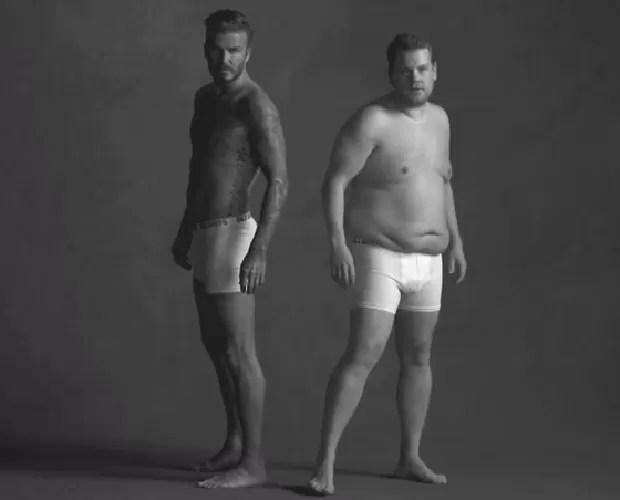 """David Beckham e James Corden na campanha para as cuecas D&J, que """"não estão à venda em lugar nenhum"""" (Foto: Reprodução / YouTube)"""