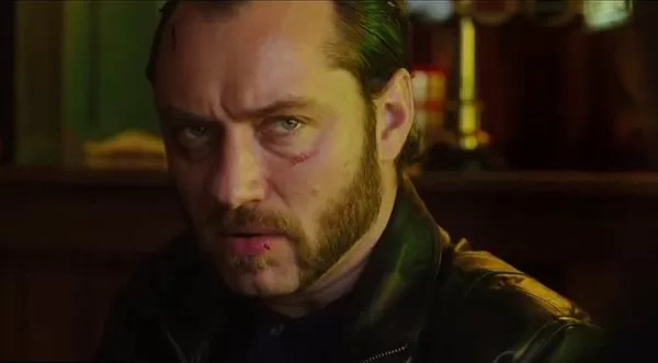 Jude Law sem censura! Aos 40 anos. ator aparece nu em seu novo filme - Revista Marie Claire | Celebridades