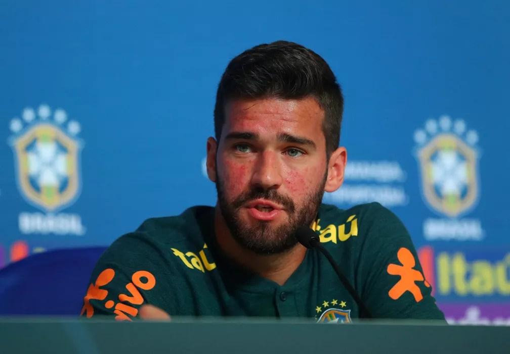 Goleiro Alisson, da seleção brasileira, sofre com problema de pele (Foto: REUTERS/Hannah Mckay)