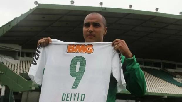 Deivid já garantiu a camisa nove do Coritiba (Foto: Gabriel Hamilko / GloboEsporte.com)