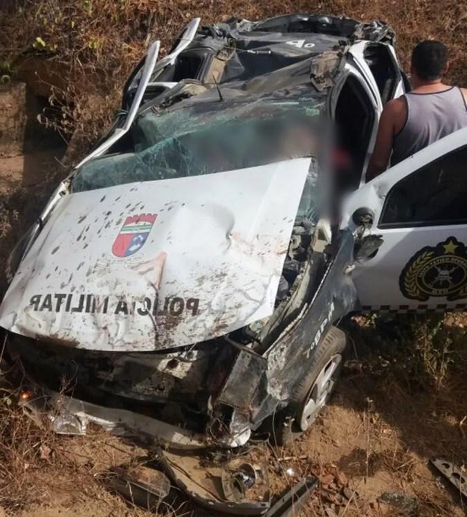 Um policial morreu e outro ficou ferido em acidente na RN-079, entre Alexandria e Pau dos Ferros, RN (Foto: PM/Divulgação)