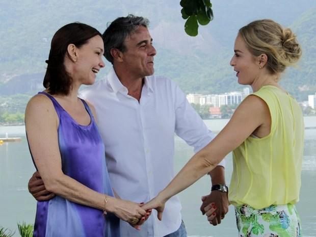 Angélica passa dia no clube com casal 20 (Foto: Estrelas / TV Globo)