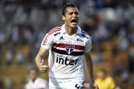 Anderson Martins, zagueiro do São Paulo, processa o Corinthians — Foto: Marcos Ribolli