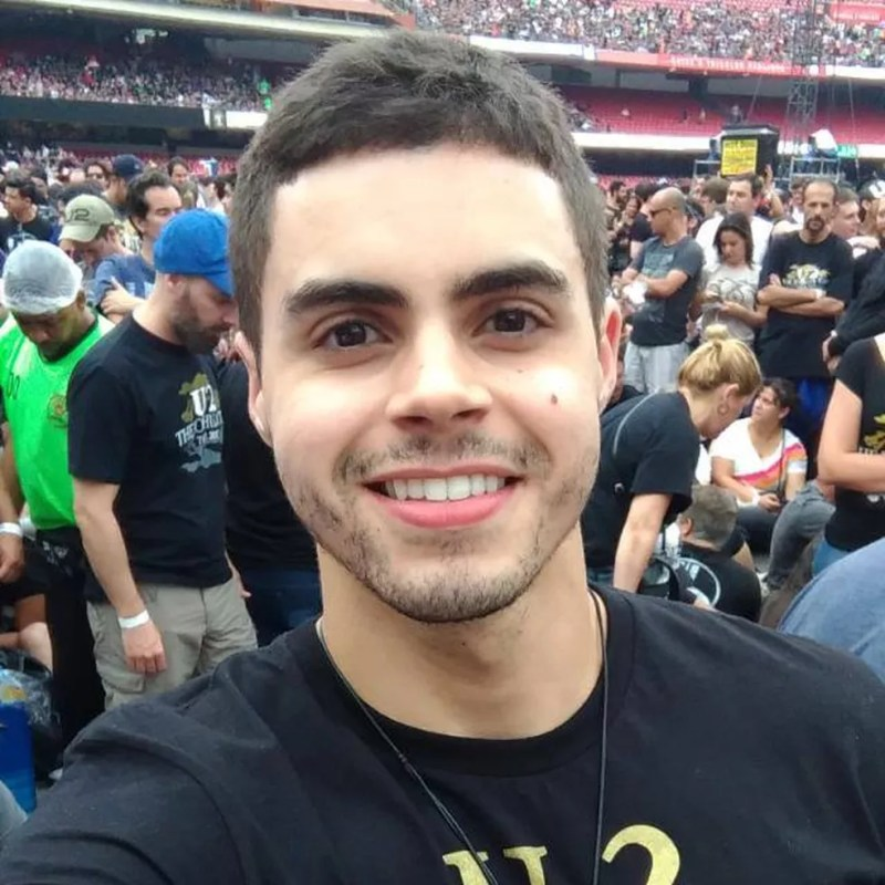 Anderson Brito, analista de 25 anos, que investe em bitcoin. (Foto: Arquivo Pessoal/Anderson Brito)